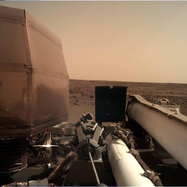 Image prise par IDC (Instrument deployment camera)