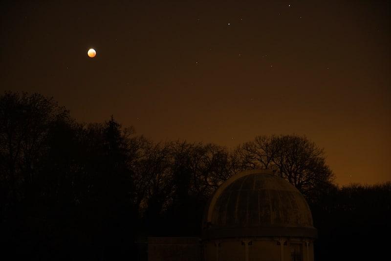 L'éclipse en dessus de l'observatoire de Meudon 21-01-2019 © Nicolas Biver