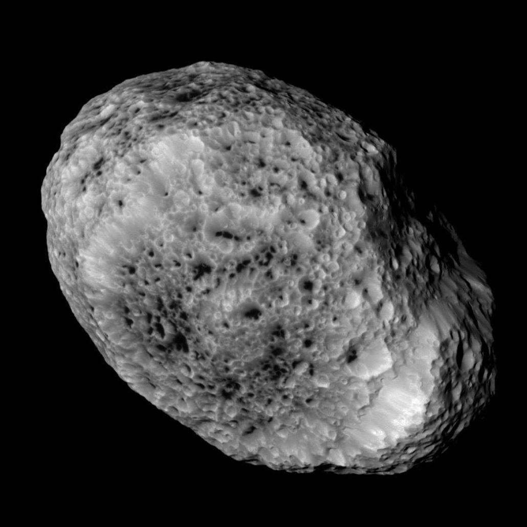 Hypérion Crédit : NASA/JPL-Caltech/Space Science Institute